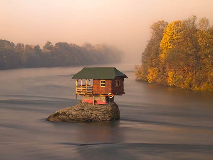 45-year-old-tiny-serbian-drina-river-home