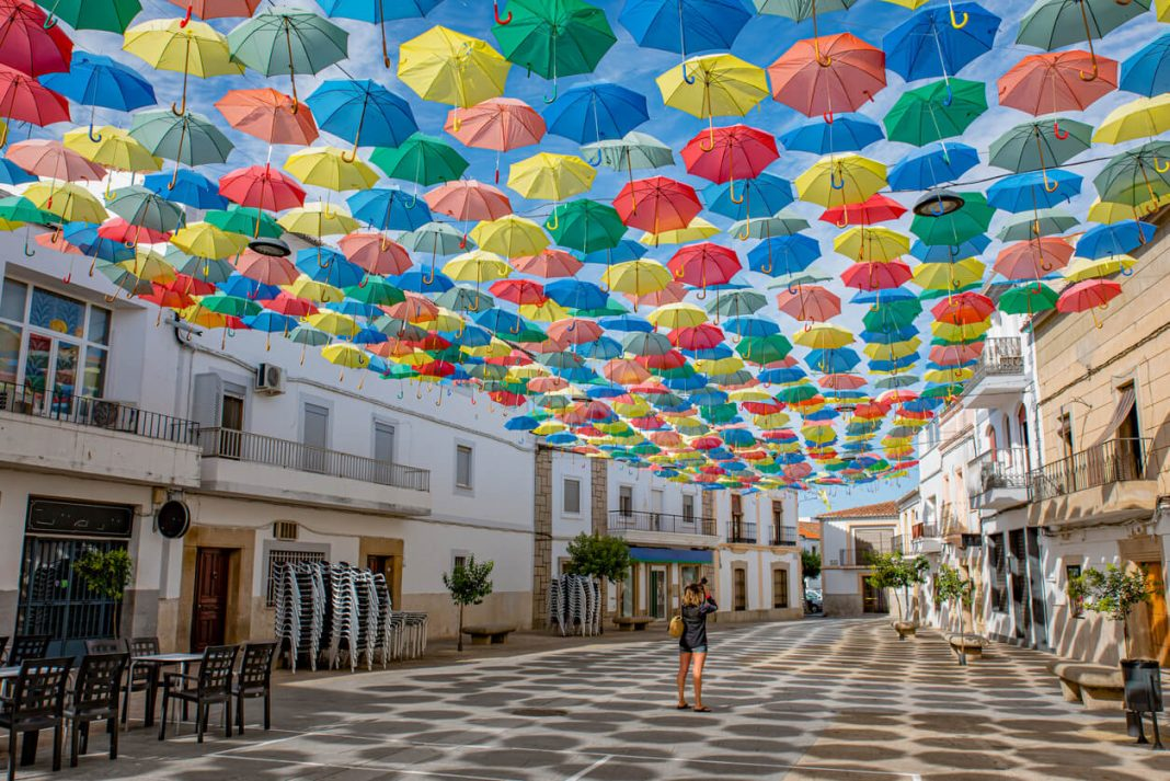FLOATING-UMBRELLAS-LINE-THE-STREETS-OF-AGUEDA-PORTUGAL