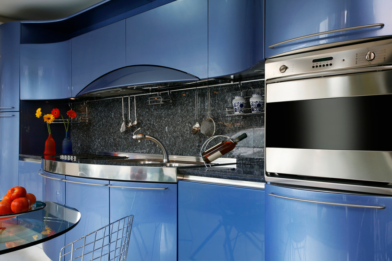 Gloss kitchen cabinets in blue