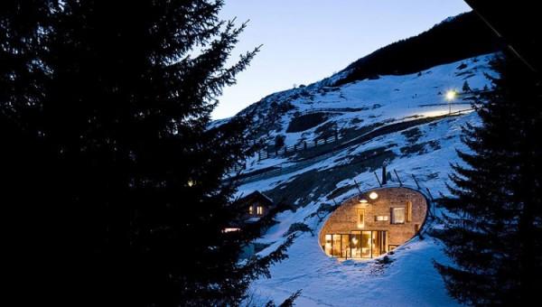 Villa-Vals-Mountainside-Residence