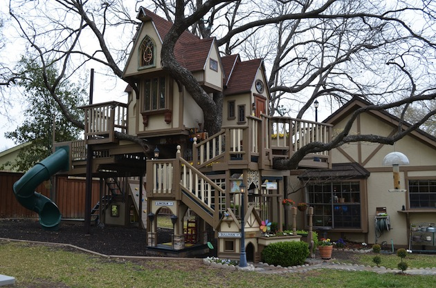 Everything-Is-Bigger-In-Texas-Dallas-Treehouse-Mansion-1